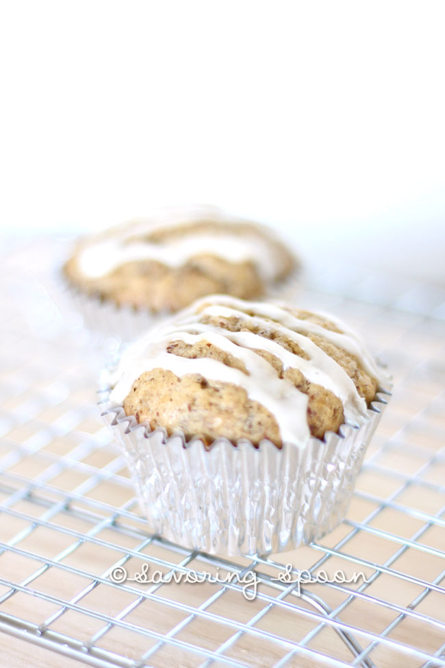 Vegan Banana Muffin with Sweet Drizzle | www.savoringspoon.com